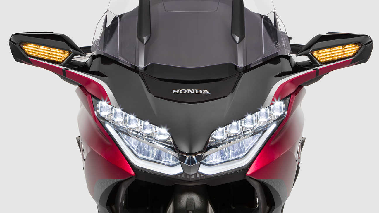 Honda Gold Wing Tour, komplette LED-Beleuchtung mit LED-Nebelscheinwerfern