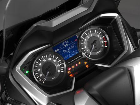 Honda Forza 300 - neue Instrumentierung